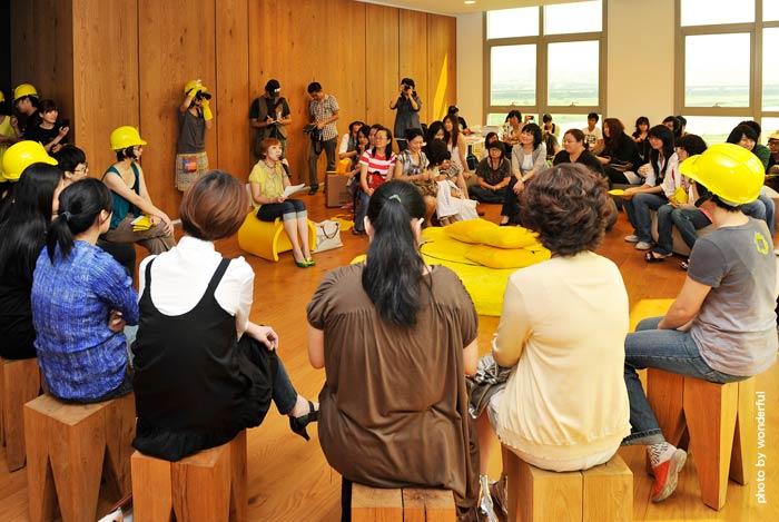 都市酵母2009遍地開花開幕記者會, city yeast balossom, 黃色椅子計畫, 市井執人研究室, 水越設計策劃執行